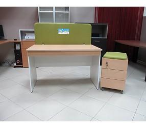 СМАРТ - стол прямой с подкатной тумбой и экраном