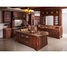 Разные коллекции кухонь с фасадами из массива